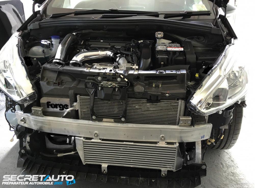 Montage échangeur forge motorsport sur peugeot 208 gti